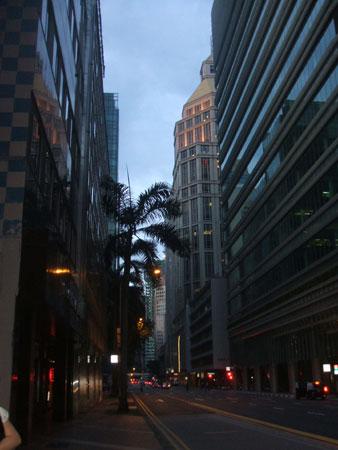 シンガポールのオフィス街 ここで働いています
