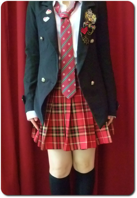 AKB48オフィシャルカフェ・シンガポール 制服その2